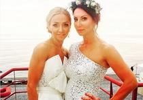 Церемония бракосочетания Навки и Пескова прошла на берегу Черного моря