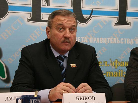 Глава города Кирова Владимир Быков поздравляет с Новым годом!